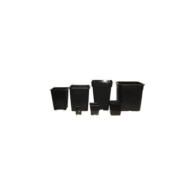 Macetas de plastico cuadradas de color negro