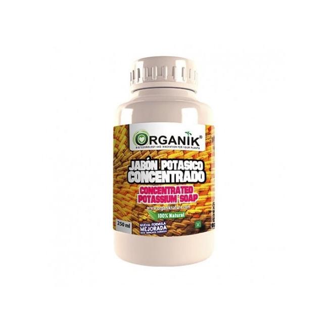 Le Savon Potassium Concentré de chez Organik, un insecticide d'origine végétale qui est utilisé pour prévenir et traiter les ravageurs ainsi que pour nettoyer les plantes...