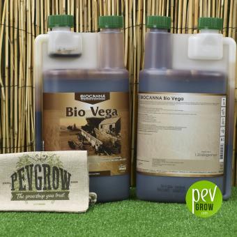 Bio Vega von Canna, biologischer Wachstumsdünger in einem transparenten Behälter .