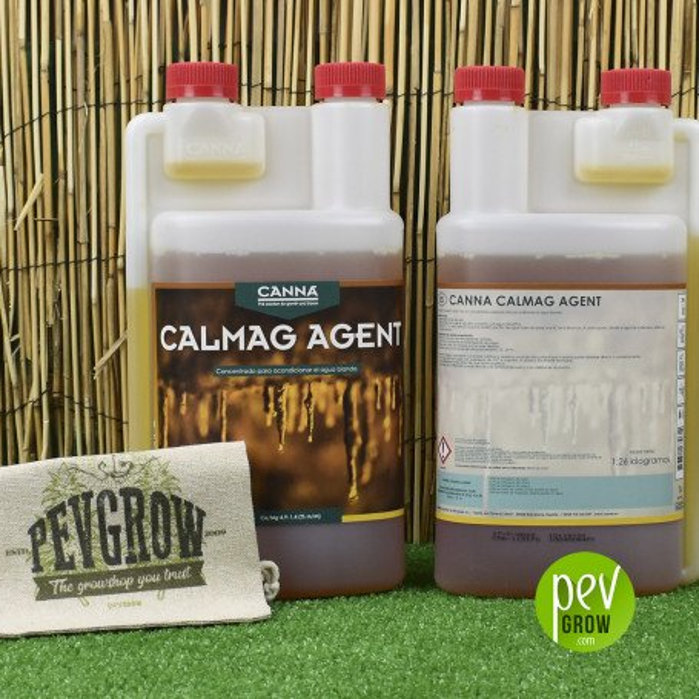 Canna Calmag Agent 1L , calcio y magnesio en un recipiente transparente.