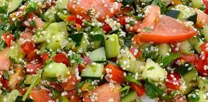 Salad with hemp seeds