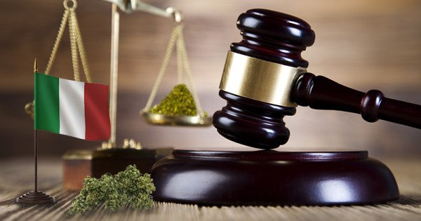 Italy: Possession of cannabis for personal consumption is decriminalized with a limit of 1.5 grams