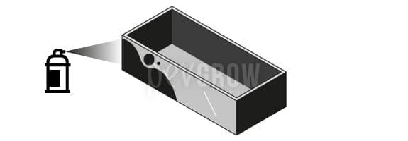 Pínta el contenedor con un spray negro translúcido